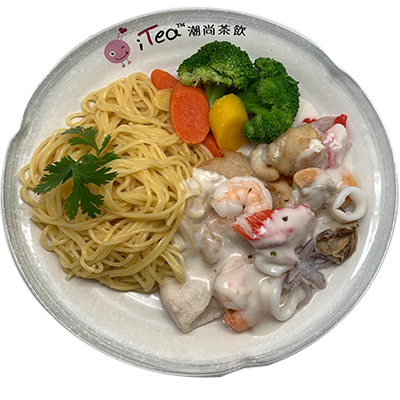 Y98 Seafood with Creamy White Sauce (Choice of Spaghetti or Egg Fried Rice)